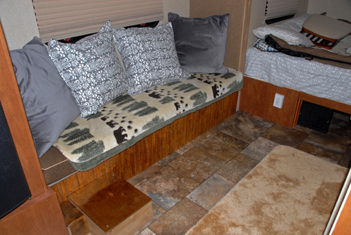 179 Dinette Table Size - R-pod Owners Forum