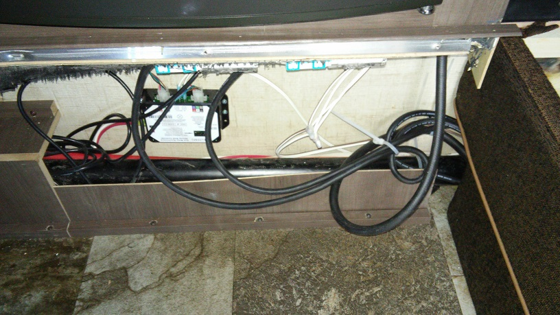 small_cables_under_fridge R Pod Wiring Diagram on